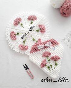 Baby Knitting Patterns, Hand Knitting, Knitted Baby Clothes, Crochet Crafts, Coin Purse, Design, Instagram, Toddler Girl Dresses, Crocheting