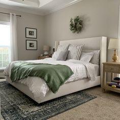 Bedding Master Bedroom, Bedroom Green, Master Bedroom Design, Bedroom With Gray Walls, Bedrooms With Carpet, Master Bedroom Color Ideas, Master Room, Master Bedrooms, Budget Bedroom
