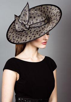 Spot straw sidesweep hats with self spot twist