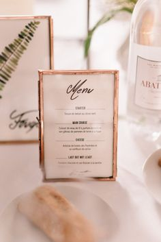 A country wedding in Bordeaux – Adeline + Charles – Hochzeit Wedding Menu, Wedding Stationary, Wedding Table, Diy Wedding, Wedding Catering, Wedding Ideas, Wedding Gowns, Catering Menu, Wedding Vintage