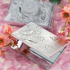 Elegant++Reflections+Collection+Butterfly+Design+Mirror+Compact+Favors