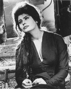 Sophia Loren Long Hair Black Top 8x10 Photograph