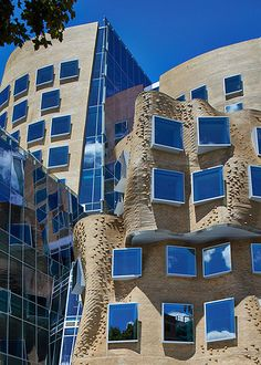 Frank Gehry designed University of Technology, Sydney. Great colour and reflections. Hasn't been received well but nor was the Opera House, once upon a time.