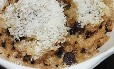 This quinoa porridge is a more like having dessert for breakfast. It is high in protein and full of other important nutrients. Quinoa Coconut Almond Porridge Ingredients: C cooked quinoa See how to Cook Quinoa 2 Tbsps Sultanas (light Vegan Brunch Recipes, Healthy Desserts, Delicious Desserts, Yummy Food, Healthy Eats, Healthy Foods, Healthy Recipes, Dairy Free Eggs, Dairy Free Recipes