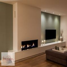 Looking for the right fireplace? Take a look at these inspirations! Living Room Decor Fireplace, Home Fireplace, Modern Fireplace, New Living Room, Fireplace Design, Home And Living, Living Room Designs, New Homes, Interior Design