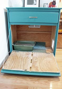 'purrfect' DIY solutions to hide the litter box Finding a good place to keep the box itself is tricky, especially if you live in a small place.Finding a good place to keep the box itself is tricky, especially if you live in a small place. Hidden Litter Boxes, Kitty Litter Boxes, Hiding Cat Litter Box, Cat Room, Old Dressers, Dresser Drawers, Small Dresser, Pet Furniture, Luxury Furniture