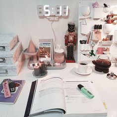 ʚ pin - lloverrose ɞ Study Areas, Study Space, Study Desk, Study Room Decor, Bedroom Decor, Study Rooms, Dream Desk, Study Corner, Desk Inspiration