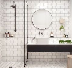 "Très bonne idée d'ajouter de l'épaisseur à la partie basse du mur afin de créer un ""espace"" de rangmt, notmt pr la partie douche à l'italienne! Bathroom Interior, Modern Bathroom, Rustic Bathrooms, Scandinavian Bathroom, Bathroom Tile Designs, Bathroom Ideas, White Subway Tiles, Walk In Shower, Laundry In Bathroom"