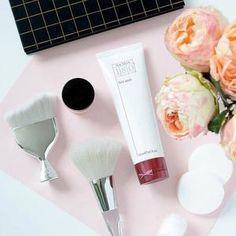 180° Face Wash Nu Skin, Vitamin C Face Wash, Galvanic Spa, Teeth Whitening Remedies, Beauty Packaging, Even Skin Tone, Body Treatments, Tips Belleza, Skin Firming