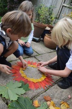 Exploring Andy Goldsworthy with kids - a wonderful way to enjoy Nature AND Fall.