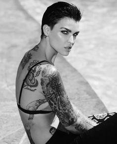 This gender fluid bad ass @rubyrose is a role model for the LGBT community and an absolute sexy beast.  #rubyrose #genderfluid #genderisover #tattooed #tattoos #oitnb #beautiful #genderbender #genderqueer #gorgeous #beautifulhuman #beauty #lgbt #lgbtq #lgbtpride #lgbtqpride by strongestlinklgbt