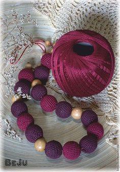 How to make an invisible decrease in single crochet Crochet Necklace Pattern, Crochet Beaded Necklace, Crochet Jewelry Patterns, Fabric Necklace, Crochet Bracelet, Fabric Jewelry, Crochet Accessories, Boho Necklace, Motifs Perler
