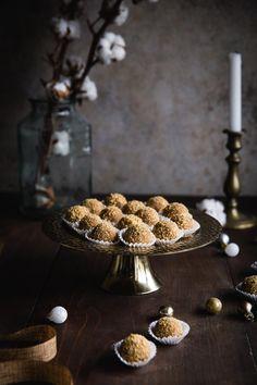 Asi nepoznám nikoho, kto by nemiloval marlenku alebo medové rezy…Ak ma sledujete pravidelne, moja obsesia týmto dezertom je vám určite známa:) Na blogu dokonca nájdete recept na moju obľúbenú karamelovú marlenku… Vianoce sa už nezadržateľne blížia a viacerí z vás už určite vyťahujú formičky na medovníčky, oriešky, vaľkáte o dušu vanilkové rožky a spisujete nákupný...
