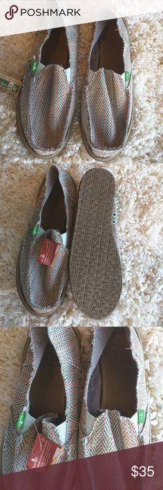 Brand new sanuk rasta jirallo shoes Brand new. For women size 11 beautiful colors Sanuk Shoes Flats & Loafers
