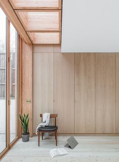 Larch House is a minimal residence located in London, United Kingdom, designed by Nicholas Szczepanik Architects. The architects were approached by a couple to transform a tired and dated Victorian. Minimalist Apartment, Minimalist Interior, Apartment Interior Design, Parisian Apartment, Apartment Layout, Apartment Living, Interior Styling, Wood Interiors, House Extensions