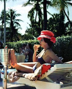Slim Aarons (1916 – 2006, New York) – Lifestyle, Jetset and Celebrity Photography from the 1950ies/1960ies > Fashion / Lifestyle, Film-/ Fotokunst, Gossip, Serien > 50ies, 60ies, dope, foto series, lifestyle, photography, pictures