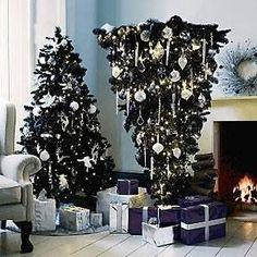 Árvore de Natal de cabeça para baixo, tendência no exterior. [8]