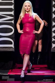 Kim West matt #latex cocktail dress at #Dominatrix Show, Holland, November 2014 Model - Misplaced Photo - Richard Van RvHfoto