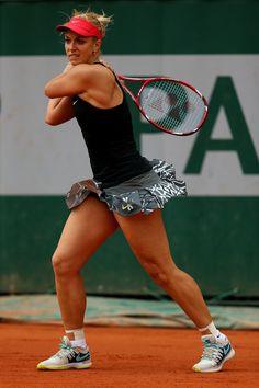 Sabine Lisicki Photos - Wimbledon: Day 8 - 732 of 2344 - Zimbio Sabine Lisicki, Steffi Graf, Us Open, Wimbledon, First Time Gym, Foto Sport, Gym For Beginners, Tennis Legends, Tennis Equipment