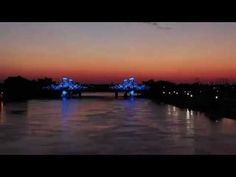 Watch the new I-35 bridge lights, in all their glory, in a time-lapse video from the dedication ceremony.