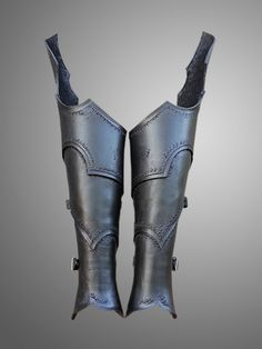 * PAIR of Greaves (2) * Greaves of dark elf are made of leather 3.5-4 mm thick. * Simple brass/black/silver color rivets and burrs were used. *