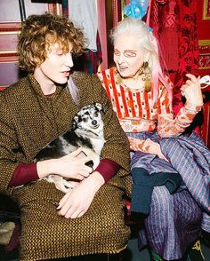 The designer that walked her own show last week at #PFW #viv _________________________________________________ Repost: from @voguerunway - Do you recognize this model? said Andreas Kronthaler backstage at his #PFW show. It was none other than Vivienne Westwood herself who emerged on the runway to whoops whistles and applause from the audience. (Lemi the dog also made an appearance on the runway.) Tap the link in our bio to see more. Photographed by @coreytenold.  #viviennewestwood #fw17…