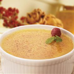 "Ghirardelli Classic White Chocolate Creme Brulee Recipe - - ""White chocolate adds a rich new dimension to this classic dessert. White Chocolate Creme Brulee, White Chocolate Desserts, Brulee Recipe, Ghirardelli Chocolate, Chocolate Gifts, Mousse, Classic Desserts, Panna Cotta, Köstliche Desserts"