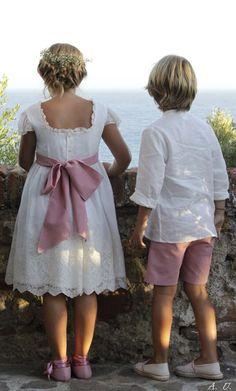 LAS TRES OCAS,Vestido en tul bordado y lino