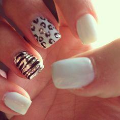 piel animal con dorado y blanco diseno de unas, nail design animal print and white