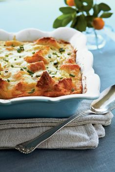 Brunch Recipes Let Creamy Egg Strata be the star of your next brunch. Made with Swiss and Parme… Egg Strata, Breakfast Strata, Breakfast Dishes, Breakfast Recipes, Brunch Dishes, Breakfast Ideas, Brunch Items, Brunch Buffet, Brunch Menu