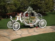 Horse And Carriage Wedding, Horse Wedding, Horse Carriage, Farm Wedding, Dream Wedding, Cinderella Carriage, Cinderella Wedding, Butterfly Decorations, Wedding Decorations