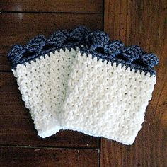 These quick crochet boot cuffs are sure to add a splash of fashion to your wardrobe! Textured with a waffle pattern, they're easily adjusted to be a solid colour for a quiet fashion statement, or dual coloured for a pop of bright flash to your outfit. Quick Crochet, Crochet Round, Half Double Crochet, Crochet Boot Cuffs, Crochet Boots, Foundation Single Crochet, I Love This Yarn, Winter Accessories, Yarn Needle
