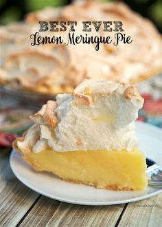 Best Ever Lemon Meringue Pie - homemade lemon pie topped with a quick homemade… Lemon Desserts, Lemon Recipes, Pie Recipes, Just Desserts, Dessert Recipes, Easy Recipes, Rock Recipes, Pie Dessert, Health Desserts