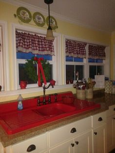 Saying goodbye to my christmas kitchen