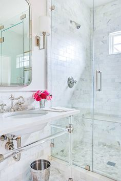 A gorgeous bathroom full of Calcatta gold marble