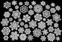 Christmas Craft : How to make Paper Snowflakes. Snowflakes are so pretty and its so easy to make paper snowflakes in different designs, usi. Paper Snowflake Patterns, Paper Snowflakes, Snowflake Designs, Snowflake Craft, Paper Stars, Crafts To Do, Holiday Crafts, Holiday Fun, Crafts For Kids