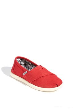 How great are Toms, and how did I not know they donate shoes?  Cute as a button on my little one.