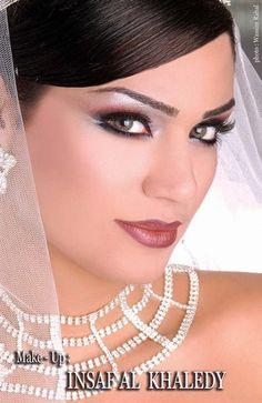 Maquillage libanais 26 Fard, Maquillage Mariage Oriental, Maquillage  Libanais, Maquillages, Indien,