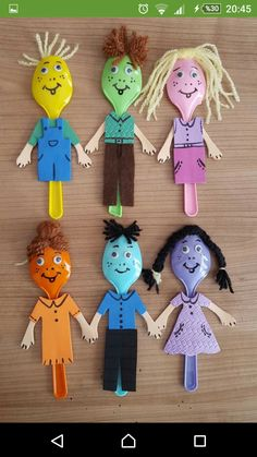 Spoon puppets! Easy craft for toddlers.