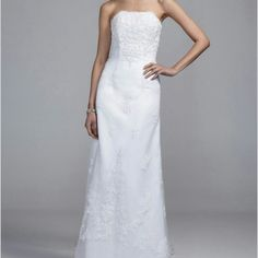 new david bridal wedding dress nwt Astonishing ivory dress with beads and lace. Fits street size 4 or 2. This dress hugs the curve so well. My wedding is in Aug but I decided to go with another dress because my fiance likes Princess ball gown. Hopefully another lucky gal can enjoy this. David's Bridal Dresses