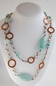 Chunky necklace that is large and bold but not overly heavy