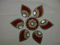 what is Kundan Rangoli Diwali And Holi, Diwali Rangoli, Diwali Craft, Rangoli Designs Diwali, Happy New Year Gift, New Year Gifts, Diwali Decorations, Flower Decorations, Indian Embroidery Designs