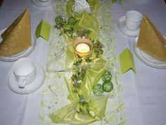 Decoration Table, Tattoo, Home Decor, Spring, Wedding, Bright Green, Wedding Ideas, Birthday, Ivy