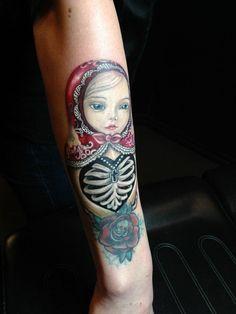 Superbe tatouage, presque réaliste et tellement émouvante par Livingston Monte…