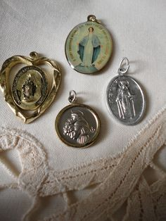 VINTAGE LOT OF RELIGIOUS MEDALS / ALL 4 INCLUDED IN AUCTION