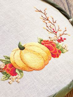 Hand Embroidery Tutorial, Hand Embroidery Patterns, Embroidery Art, Cross Stitch Embroidery, Cross Stitch Patterns, Diy Sewing Projects, Autumn Art, Yellow And Brown, Needlework