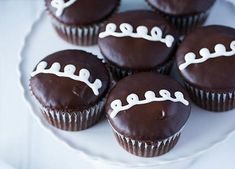 Homemade HOSTESS Cupcakes Recipe - gotta save this recipe before they go out of business :-)