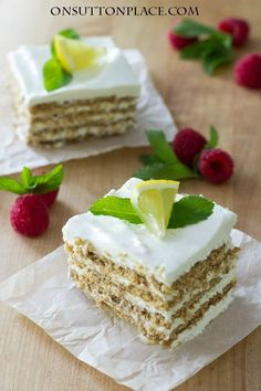 Lemonade Icebox Cake | Just 6 ingredients in this amazing dessert! So easy to put together and there's no baking. Lasts in the refrig for several days too!