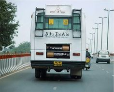 Need more guerrilla marketing ideas? As the web becomes more mobile, so has marketing tactics! Today we present a couple examples of how marketing has Bus Advertising, Clever Advertising, Advertising Campaign, Street Marketing, Guerilla Marketing, Viral Marketing, Marketing Ideas, Bus Art, Best Ads