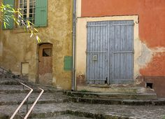 Street corner Mane Provence France France is without a doubt one of the most geographically diversified countries within Europe. The��_